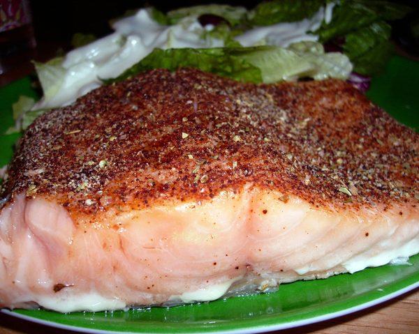 cajun-salmon-salad-3-1057473-639x478